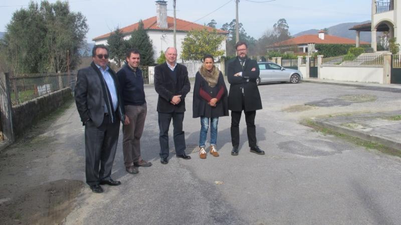 Requalificação da rede viária municipal de Santa Comba e Bertiandos -  Visita do Executivo Municipal